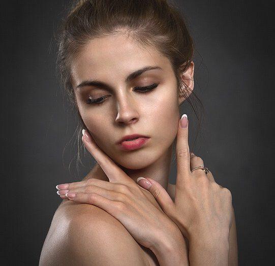 Jak skutecznie oczyszczać twarz?
